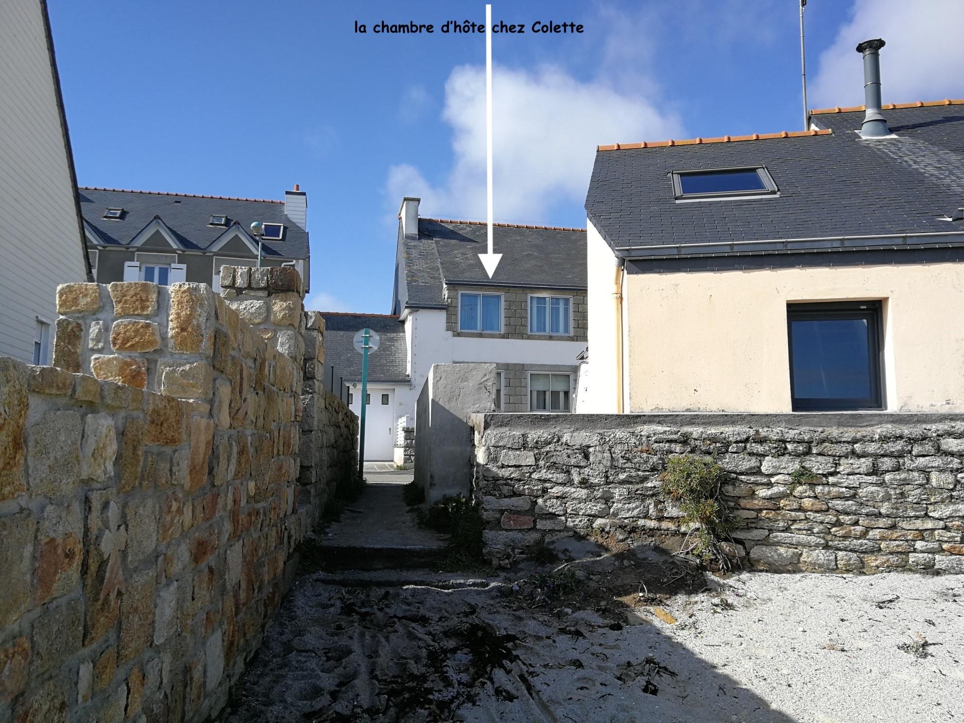 En Bretagne Chez Colette - Traversez la rue, vous êtes à la plage !
